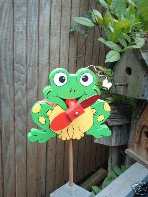 Whirligig Frog wind mobile Handpainted Handpainted Green