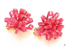 Beautiful Dark Pink Enamel Vintage 1950's Flower Power Clip-on Earrings*F444 - $17.81