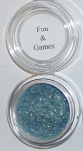 Mineral eye shadow liner blue green