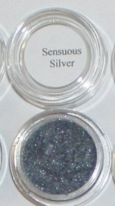 Mineral eye shadow liner