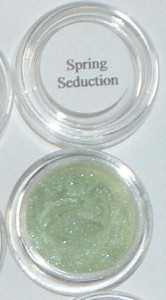 Mineral eye shadow liner light spring green S15 w/$10 purcha Bonanza