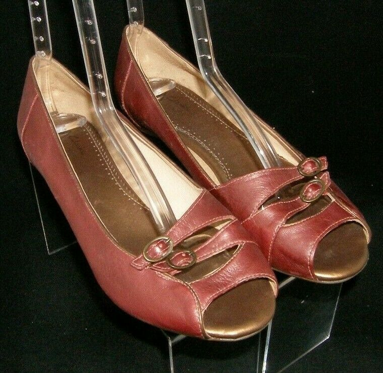 Primary image for Clarks Artisan burgundy leather dual buckle round peep toe slip on flats 9M