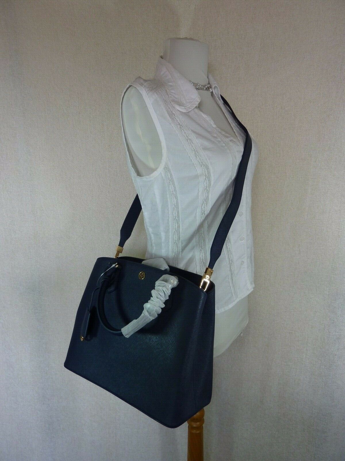 NWT Tory Burch Navy Saffiano Leather Robinson Triple-compartment Tote $458 image 11