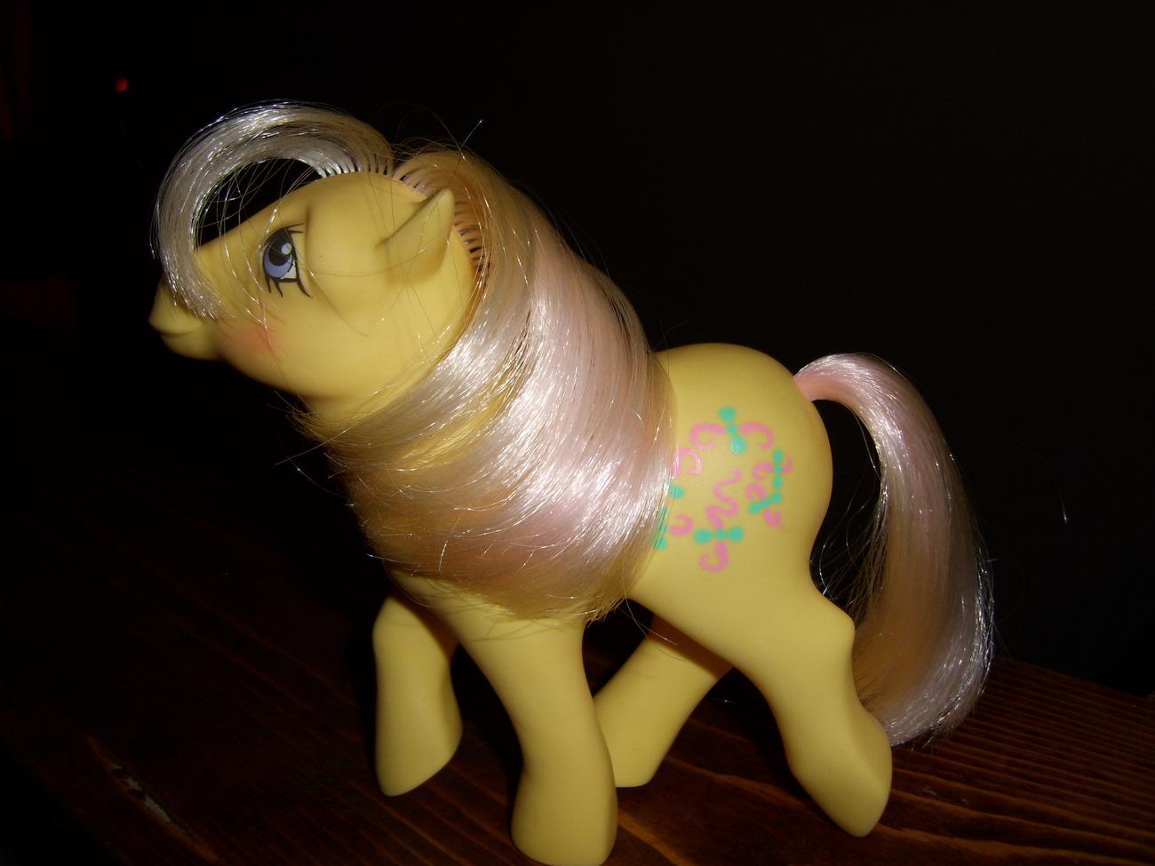My Little Pony G1 German Kisscurl image 2