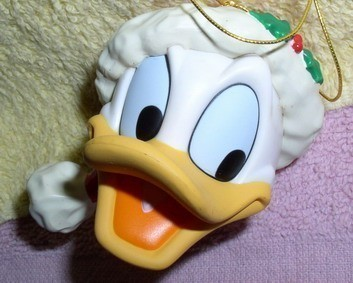 Disney Donald Duck   Figurine ornament. Made of Resin