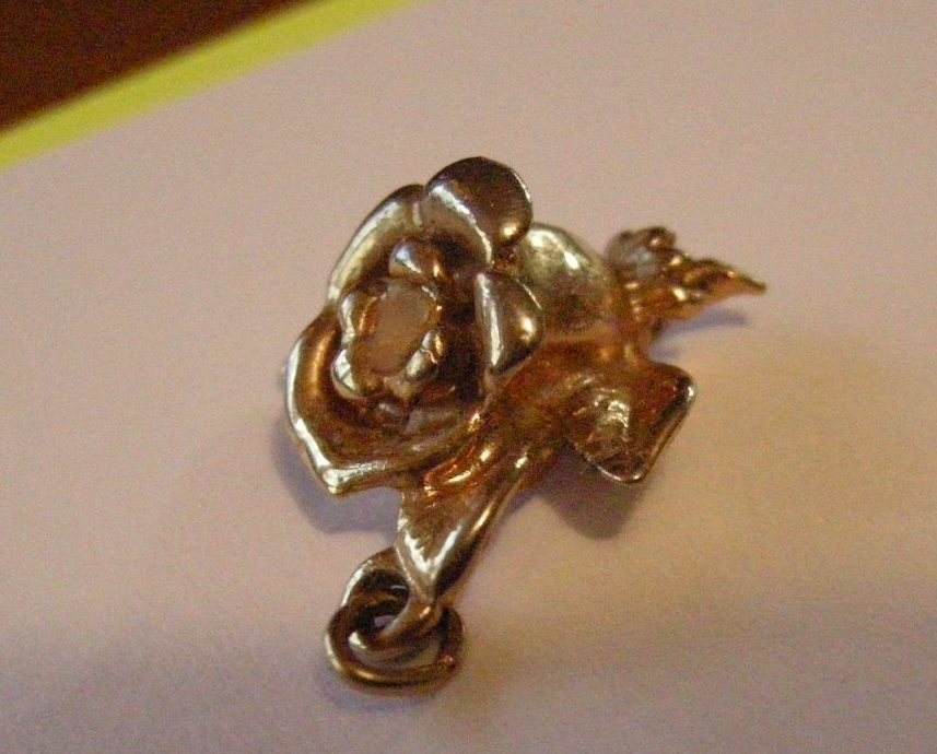 Primary image for Golden Rose Pendant one inch long