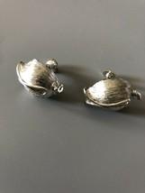 Vintage Signed Lisner Silvertone Screw Back Earrings - $8.90