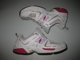 New Balance Women's White Pink Shoes Size 6.5 Sneakers - $34.64
