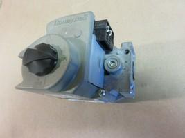 Honeywell Furnace Gas Valve Model Number  VR8205M-2858 - $38.80