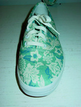 Women's Keds white blue floral gym shoes lace up-8 NEW - $18.66