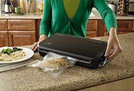 FoodSaver FM2100 Manual Vacuum Sealing System for Food Preservation image 2
