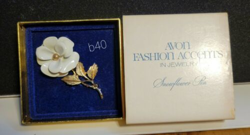 "Avon 1972 Snowflower Pin Brooch Vintage 2 3/4"" Long White - Excellent b40 - $7.41"