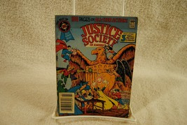 JUSTICE SOCIETY OF AMERICA 1982 THE BEST OF DC BLUE #21 PAPERBACK COMIC ... - $24.99