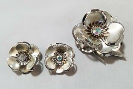 Vintage Fashion Jewelry Set Silver Tone Flower Clip On Earrings & Brooch... - $22.44