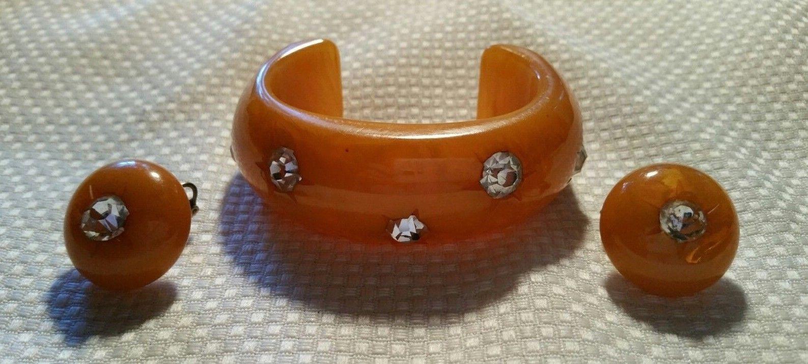 Vintage Bakelite with Insert Rhinestones Oval Cuff Bangle Bracelet and Earrings