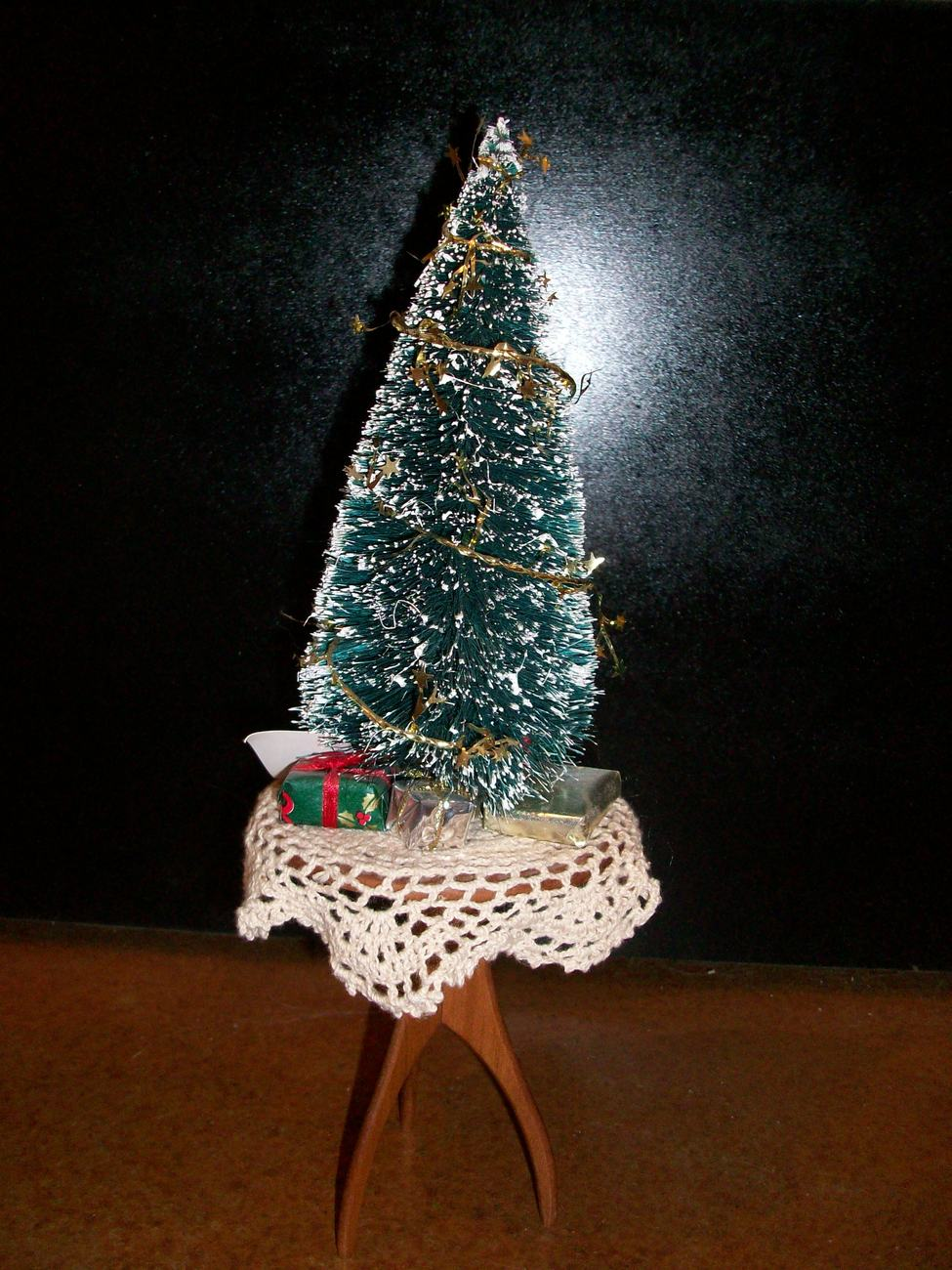 Byer's Choice Christmas Tree On Table, NEW