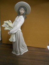 LLADRO-WOMAN WITH WHEAT 15 3/4-YEAR 2016 NO BOX EXCELLENT CONDITION - $186.65