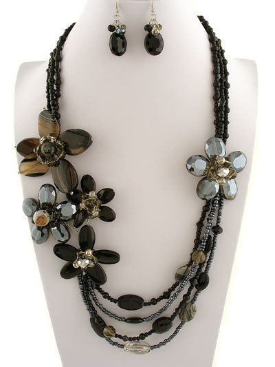 Flowers    60   ne231130  black flower design  30l  stones  faceted crystals  lobster claw closure  lead   nickel safe