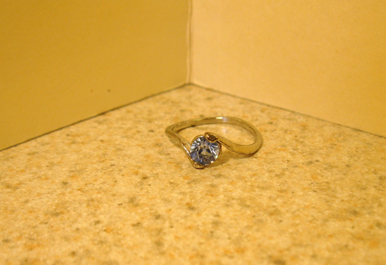 RING WOMEN GEMSTONE BLUE TOPAZ SWIRL SIZE 7 #193