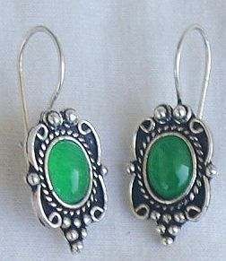 Primary image for Small green earrings
