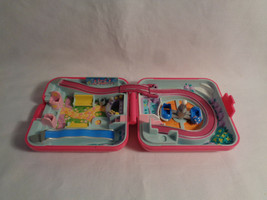 Vintage 1989 Polly Pocket Bluebird World Fun Fair Hot Pink Square Compac... - $15.35