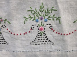 EMBROIDERED LINEN NAPKINS DISH TOWEL FLOWERS in VASE BASKET VINTAGE LOT ... - $18.99