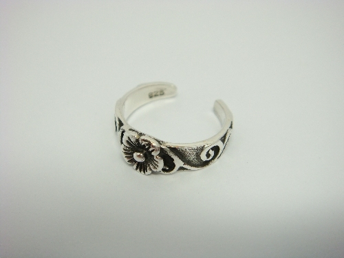 Sterling Silver Flower Oxidized Adjustable Toe Ring