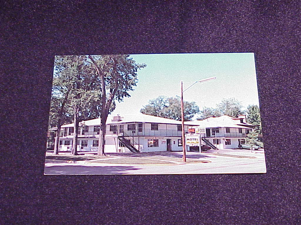 Primary image for Fitzgerald Motel, Wisconsin Dells, Wisconsin postcard, no. J5858, unused