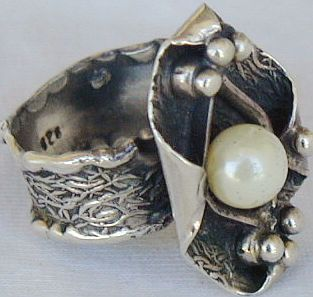 White pearl hand made ring PL1