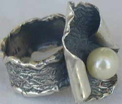 White pearl hand made ring pl2 2 thumb200