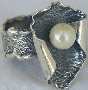 White pearl hand made ring PL2