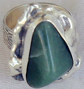 Green glass hand made ring SR46