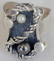 black and white pearls ring SR42 - $30.00