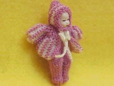 Baby dressed dark pink w white top hat pants knitted heidi ott dollhouse 1