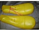 Clownshoesyel741 thumb155 crop