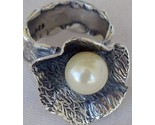 White pearl ring sr92 thumb155 crop