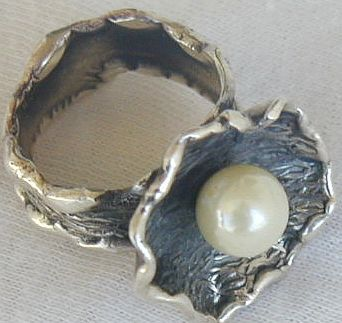 White pearl ring Hand made SR154