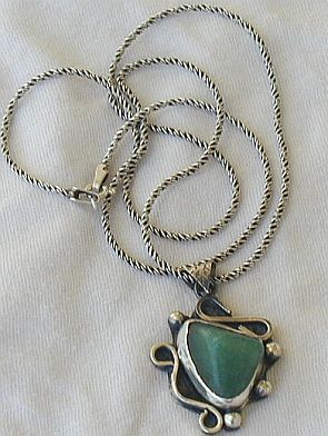 Green  pendant hand made P13