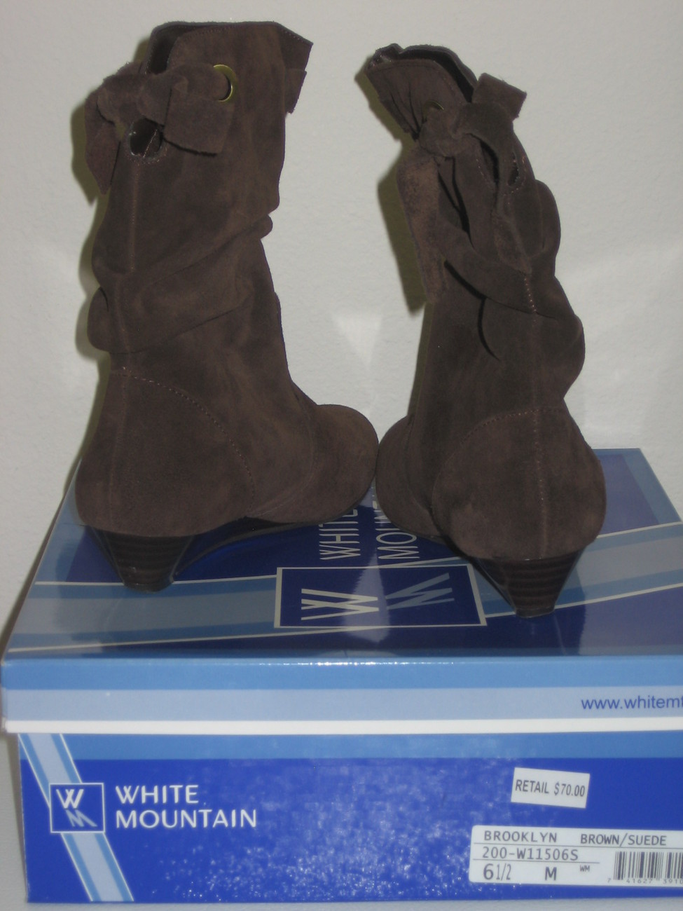 White Mountain Brooklyn Womens Brown Suede Boots Sz 6.5