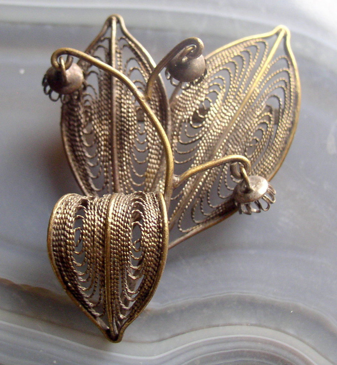 Vintage Gold Wash Sterling Silver Wire Filigree Floral Trembler Brooch Pin