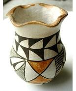Small Older Acoma Pot Pottery Scalloped Rim - $65.00