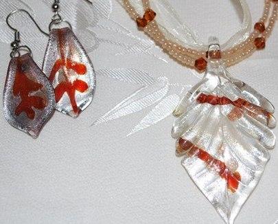 Sienna Brown Glass Foil Leaf Pendant & Earring Set