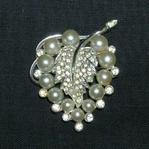 1930s Vintage Rhinestone Pearl Leaf Brooch Pin Rhodium Plate - €44,98 EUR