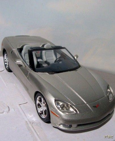 ~ 2005 Chevrolet Corvette convertible -  1:24 Promo Model  Car - Silver