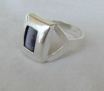 Grey cat eye ring