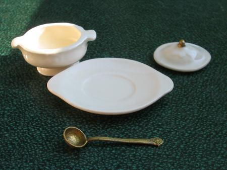 Miniature Dollhouse Soup Tureen w/ Ladle Platter NIP