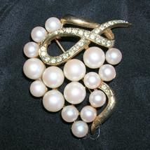 Vintage Rhinestone Pearl Brooch Pin Swirl Design - €35,98 EUR