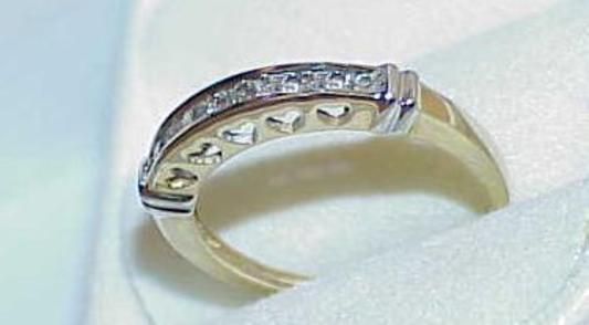 10K .25Ct Diamond Yellow & White Gold Wedding Band Ring Heart Cut outs Vintage 7