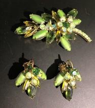 Vintage Juliana D&E Rhinestone Pin Pendant Clip Earring Set Green Olivine - $72.48