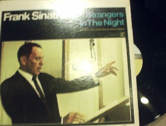 Frank Sinatra - Strangers In the Night - Reprise FS 1017